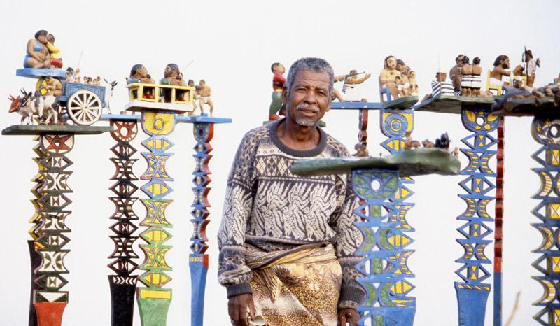 ALOALOS, sculptures Mahafaly des Efiaimbelos, Madagascar - AZE Asso